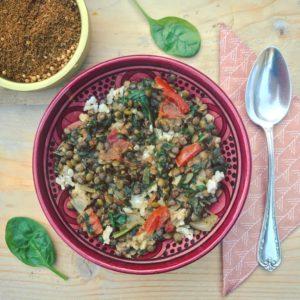 Verwarmend detox hoofdgerecht: Linzencurry met spinazie en kokosrijst