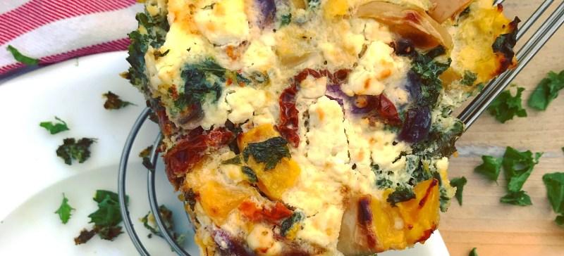 Detox recept frittata met pompoen boerenkool en feta. Gezond, voedend, verwarmend en erg lekker!