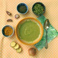 Reinigende detox soep voor in je detox kuur. Vol kruiden, vezels, mineralen en makkelijk verteerbaar. Een kadootje voor je darmen.