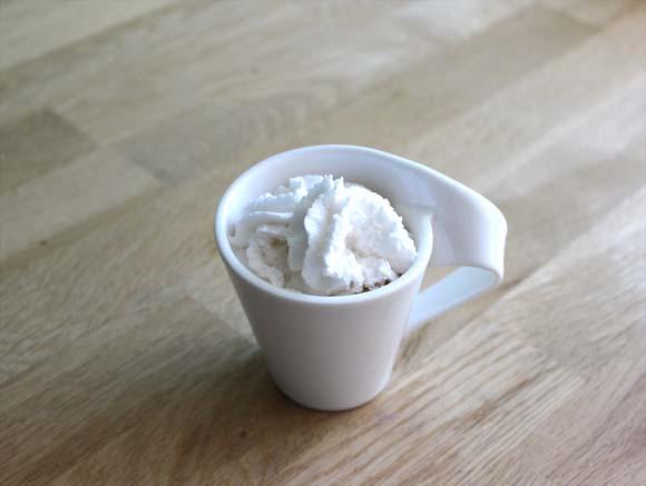 un cafe chantilly avec peu de calories