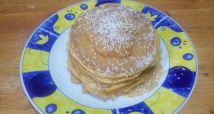 Pancakes alla zucca per colazione