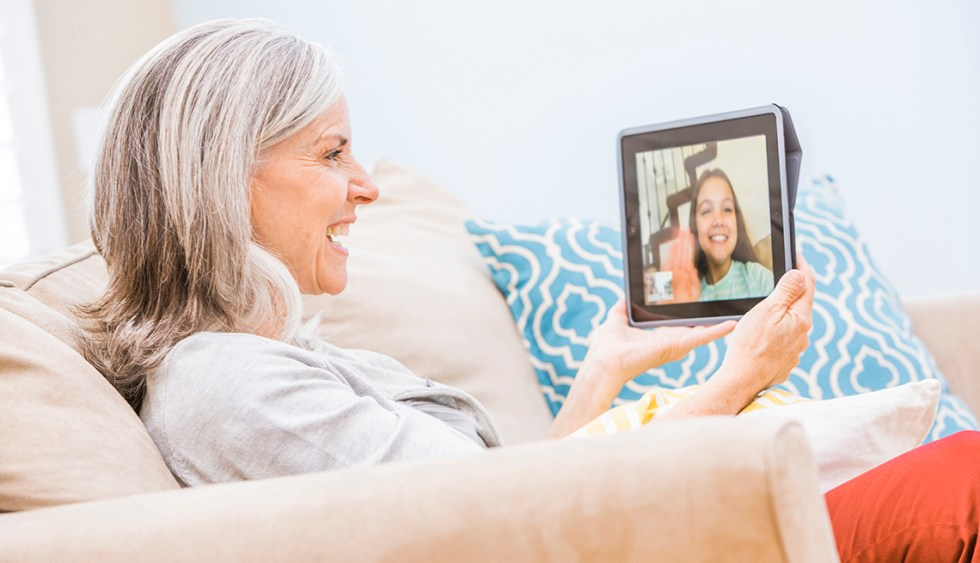 Six Tips for Using Hearing Aids For Family Zoom Gatherings
