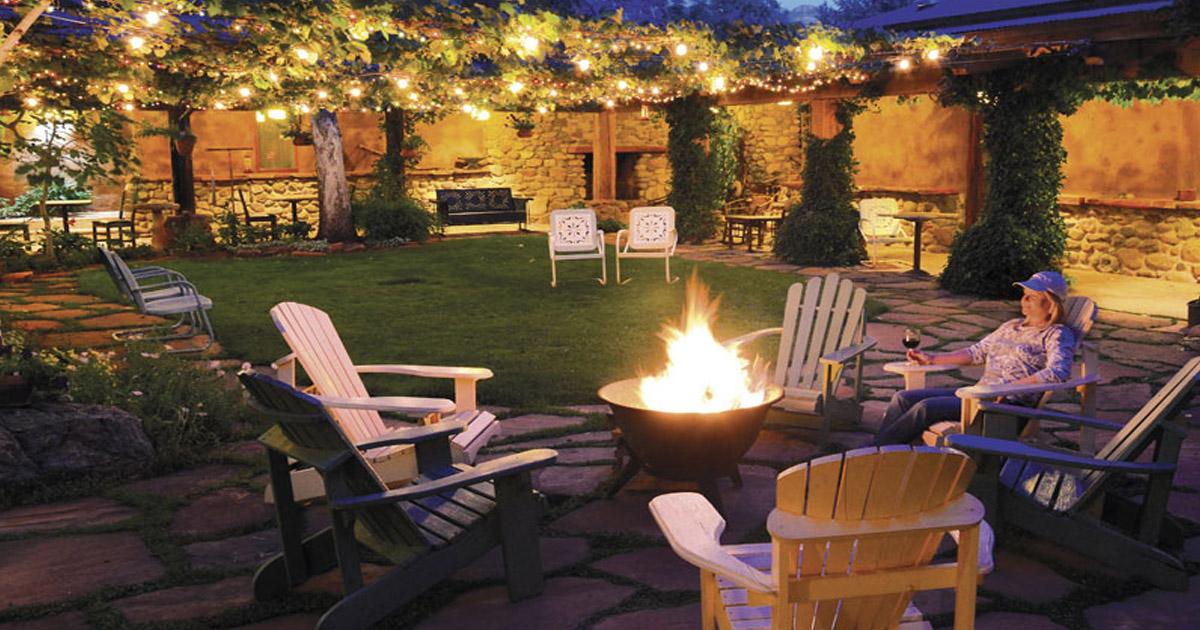 El Portal Sedona Hotel- courtyard