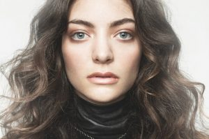 Lorde–300×199