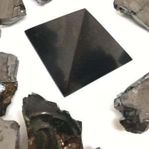 Piramide di Shungite