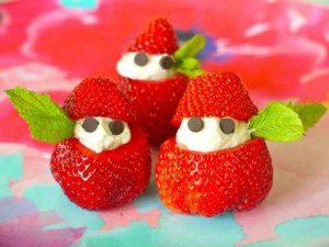 "Cutest Fruit Snack idea – Stuffed Strawberry ""elves"""