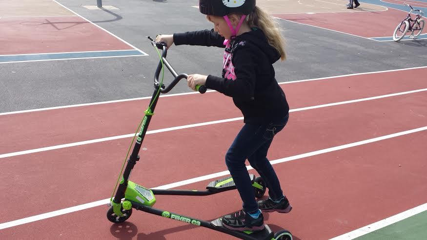 Y Fliker Scooter >> Y Volution Y Fliker Carver C3 Scooter Review - I Love My Kids Blog