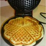 Make easy heart shaped waffles with this Kalorik Waffle Maker! (Giveaway)