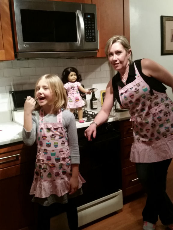 dollie and me matching aprons