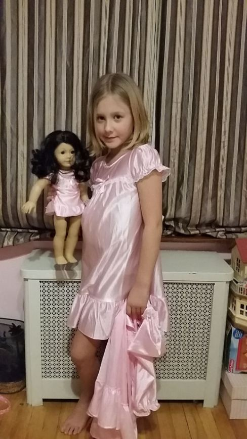 dollie and me night gown