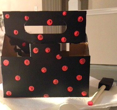 carton box With Polka Dots