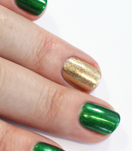 green and gold fingernail polish