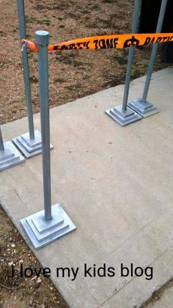 diy-stanchions-rope-through