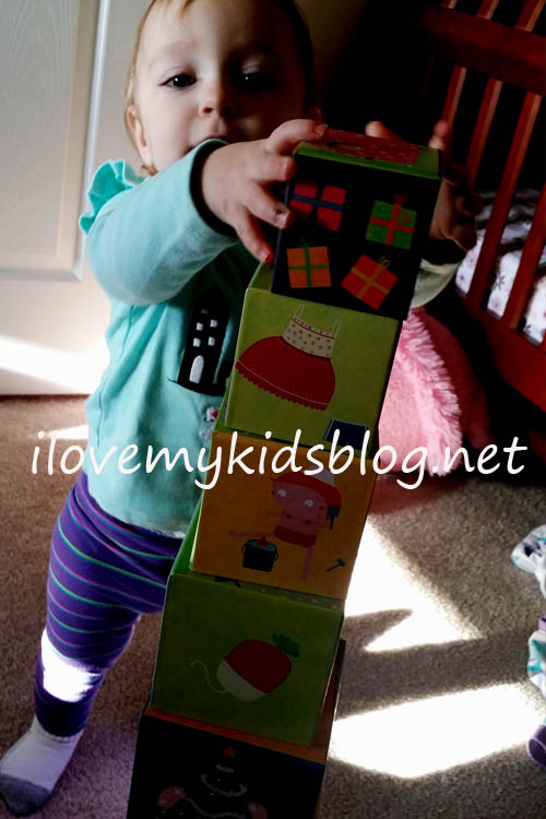 janod-square-stacking-pyramid-is-easy-for-toddlers-to-play-with