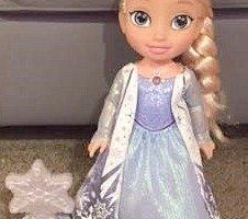Go on a New Adventure with Elsa to try and Find the Northern Lights