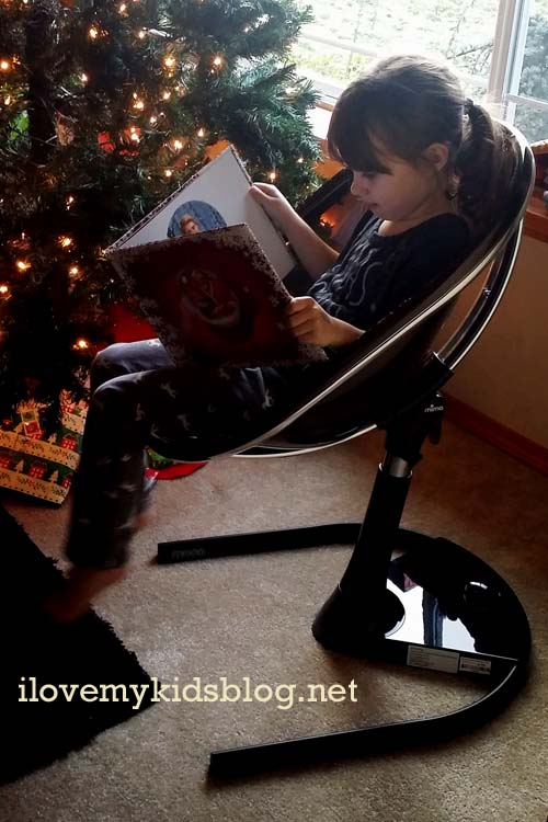 mima-moon-can-convert-into-a-junior-chair-for-children-up-to-99lbs