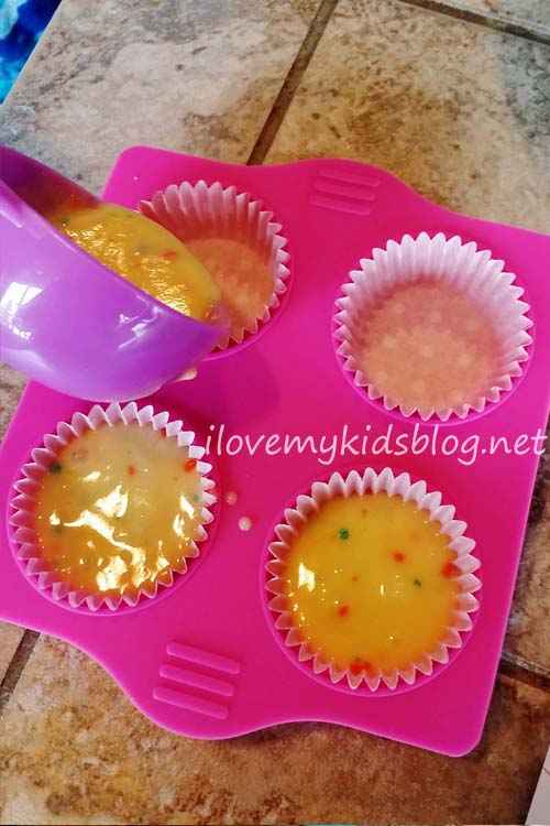Real Cooking Ultimate Baking Starter Set mini cupcakes