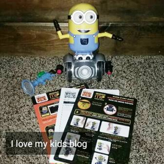 Minion toy robot by wowwee out of box