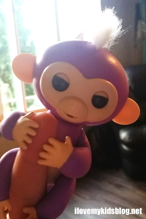 Friendship is Literally at Your Fingertips with Fingerlings Baby Monkeys by WowWee