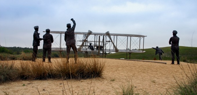 Wright Brothers NMem statues