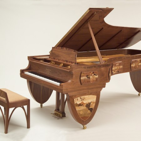 """Iconic """"Walden Woods"""" Steinway Piano Finds New Home with Philanthropists"""