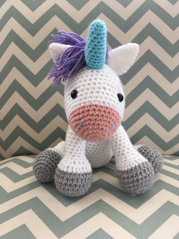 ana Designs: Custom Knits & Crochets