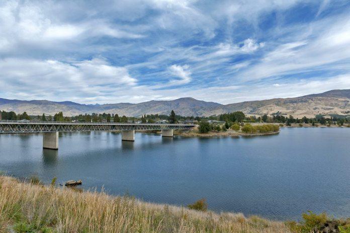kawarau-river-and-lake-dunstan-cromwell-central-otago