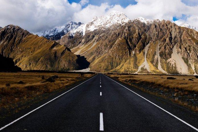 tasman-valley-road-aoraki-mt-cook