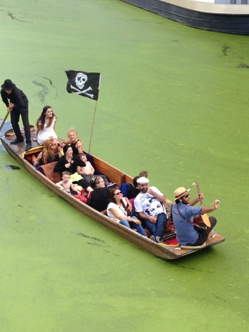 The Punting Pirates © 2013 iLovePrimroseHIll.com, all rights reserved
