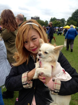 PRIMROSE HILL CELEBRITY CHANEL WITH HER MUMMY ANNA @metrocitygirl