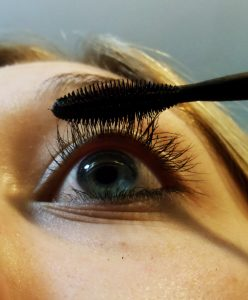 Grow thicker eyelashes
