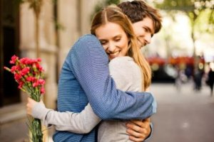 Why do Hugs feel So Great? 7 Reasons Hugging Regularly Is Good For You