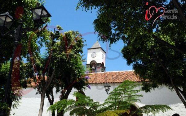 Torre de la Iglesia desde los Jardines de la Plaza