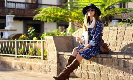 Fashion Blogguer elige la plaza de Santa Úrsula para mostrar su look