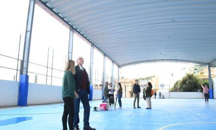 Los alumnos del Colegio Mencey Bencomo disfrutan ya de la Cancha Techada
