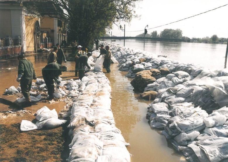 2000 tiszai árvíz szolnok kötivizig 2