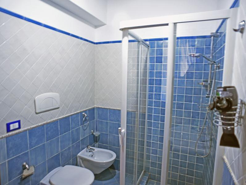 bagno fontane bianche bilocale