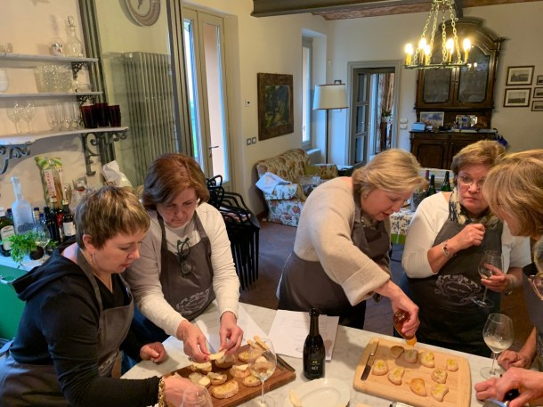 Trissy and Friends hit their stride in the Poggio Verde kitchen. Hooray!