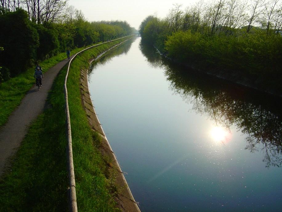 Cycling along the River Adda