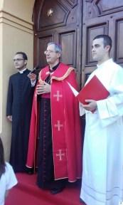 Bianchi, aperta Porta Santa da SX don Serafino, mons. Nole e don Giuseppe
