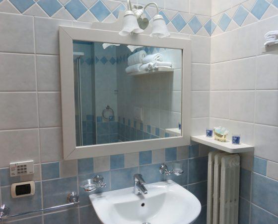 """(Italiano) Toilette """"azzurra"""""""