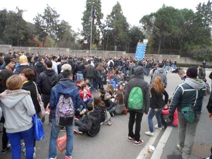 studenti blocco autostrada (2)