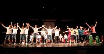 12-13_Villaggio Amico_Gris-a-teatro (2)