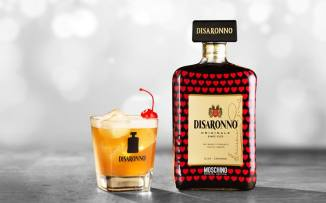 31102013 Moschino loves Disaronno (1)