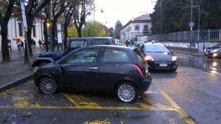 23112013 auto vandalizzata santuario (5)