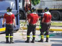 11052015 camion ribaltato origgio (27)
