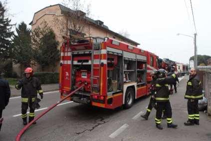10012017 incendio appartamento via Miola 1 (1)