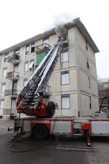 10012017 incendio appartamento via Miola 1 (10)