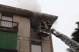 10012017 incendio appartamento via Miola 1 (7)