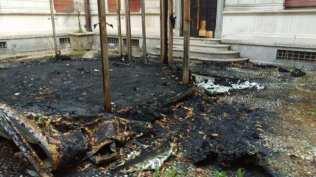 20170922 villa gianetti gazebo bruciato retro (2)
